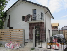 Vânzare casă\vilă 3 camere în Berceni-Sat