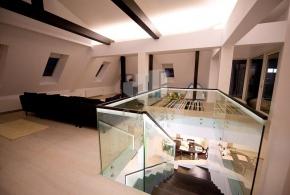 Apartament 7 camere