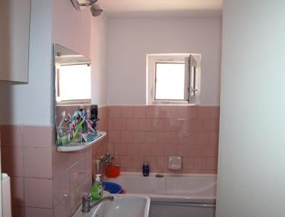 Vânzare apartament 4 camere  în Negru Voda